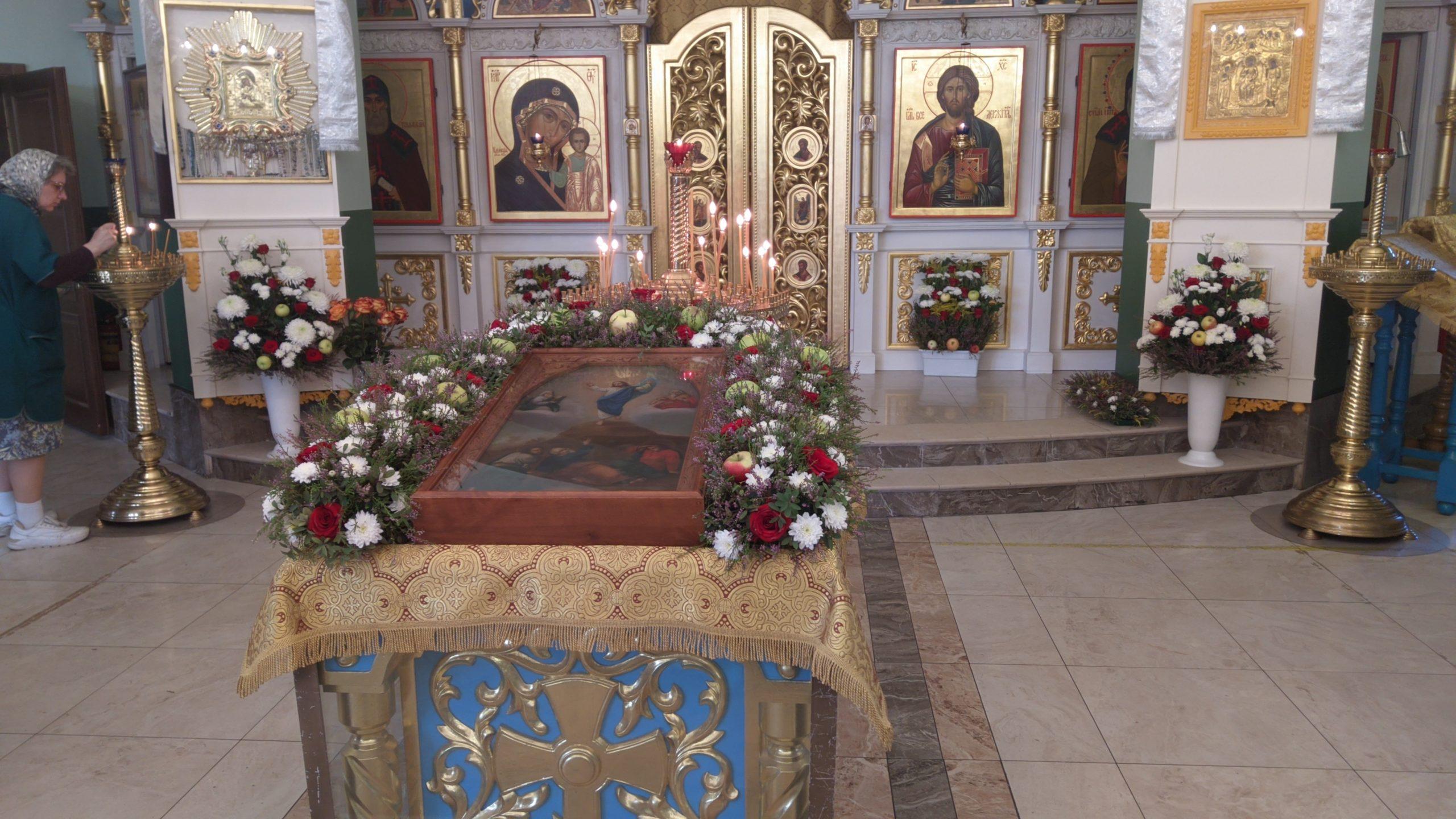 Престольный праздник в Лигово